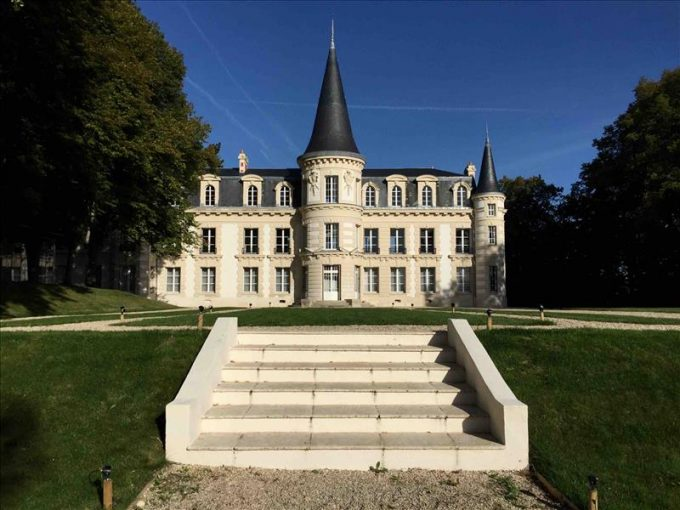 Chateau d'Hardricourt 2