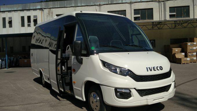 Minibus 27p